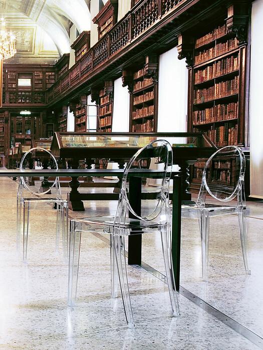 victoria ghost mobilier design kartell disponibles ici. Black Bedroom Furniture Sets. Home Design Ideas